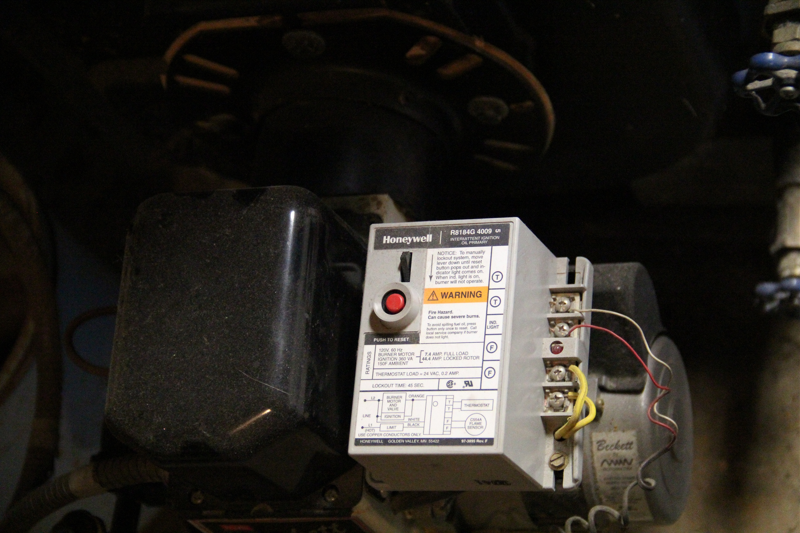 tim tears it apart honeywell r8184 oil fired boiler controller honeywell r8184g oil burner control